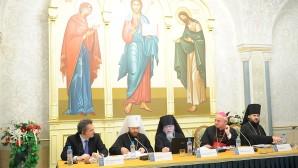 """En la Catedral Cristo Salvador se desarrolla la conferencia internacional """"La Iglesia y los pobres. Los ortodoxos y católicos en el ministerio de la caridad"""""""