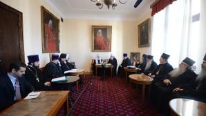 Del 14 al 16 de noviembreб el Santísimo Patriarca Kiril realizó  una visita oficial a la Iglesia Ortodoxa Serbia