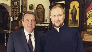 Schröder visita una chiesa ortodossa