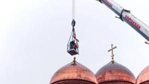 Le métropolite Marc de Riazan et de Mikhaïlovsk explique le programme de construction de nouvelles églises dans l'émission du métropolite Hilarion de Volokolamsk « L'Église et le monde »