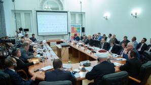 Un représentant du Département des relations ecclésiastiques extérieures a participé à une table ronde au Centre d'information de l'ONU