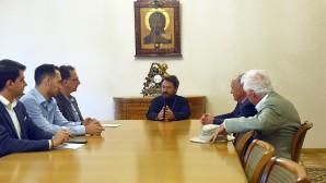 Metropolitan Hilarion meets with delegation of Urbi et Orbi Foundation
