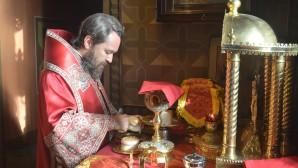 Митрополит Волоколамский Иларион совершил Божественную литургию в храме Воскресения Словущего в Даниловской слободе