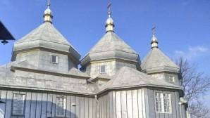 Raid de représentants de « l'église orthodoxe d'Ukraine » contre une église de la région de Tchernovtsy relevant de l'Église canonique