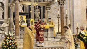 Il metropolita Hilarion di Volokolamsk ha celebrato la Divina Liturgia sulle reliquie di San Nicola a Bari
