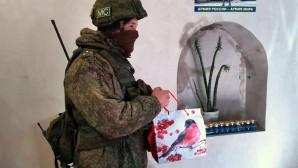 Российским миротворцам в Нагорном Карабахе привезли новогодние подарки от прихожан московского храма