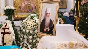 Митрополит Филарет (Вахромеев) погребен на братском кладбище Жировичского монастыря